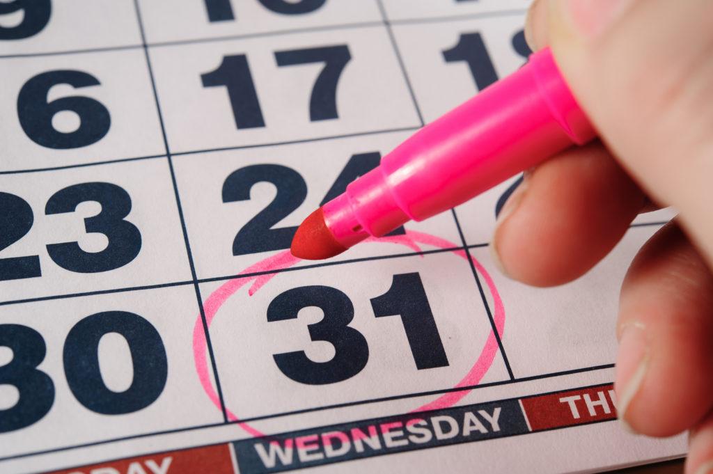 notice date on a calendar.